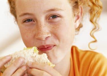 Des besoins alimentaires spécifiques à l'adolescence ?