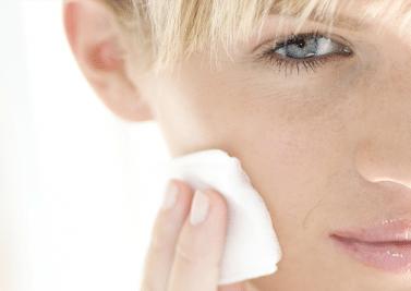 Démaquillage – Comment enlever son maquillage sans agresser sa peau ?