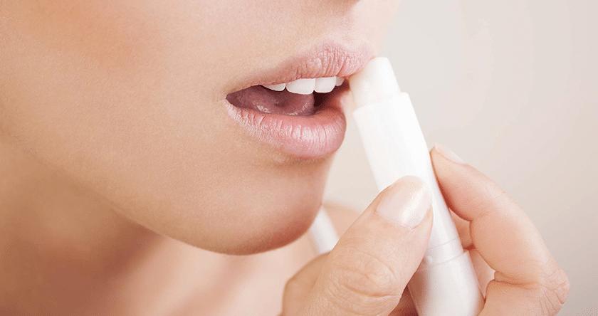 Techniques pour soigner des lèvres gercées par le froid