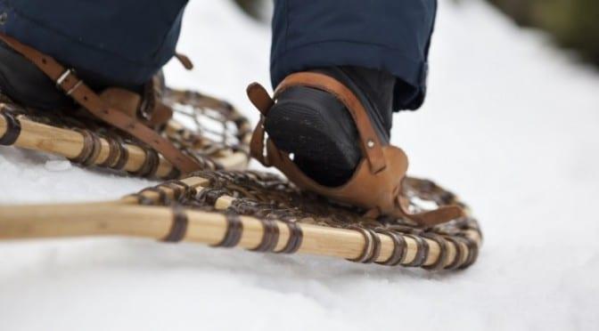 Raquettes à neige pour faire des promenades dans la neige