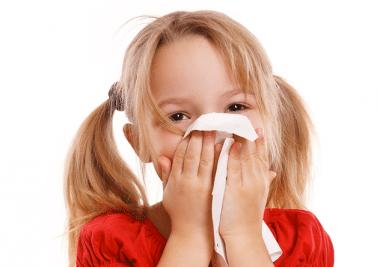 Mon fils de 10 ans saigne parfois du nez, dois-je m'inquiéter?