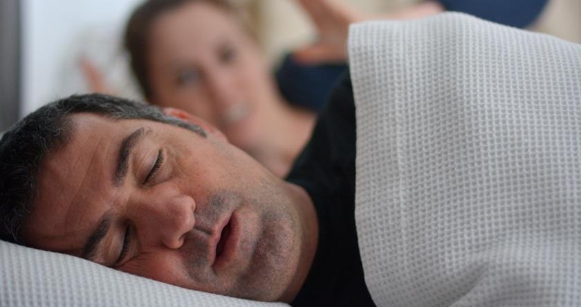 Apnées du sommeil : gare au ronflement !