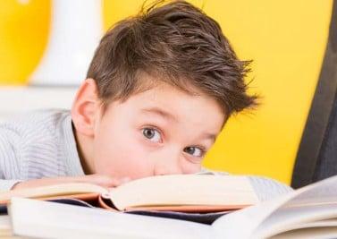 Difficultés à lire et à écrire : mon enfant est-il dyslexique ?