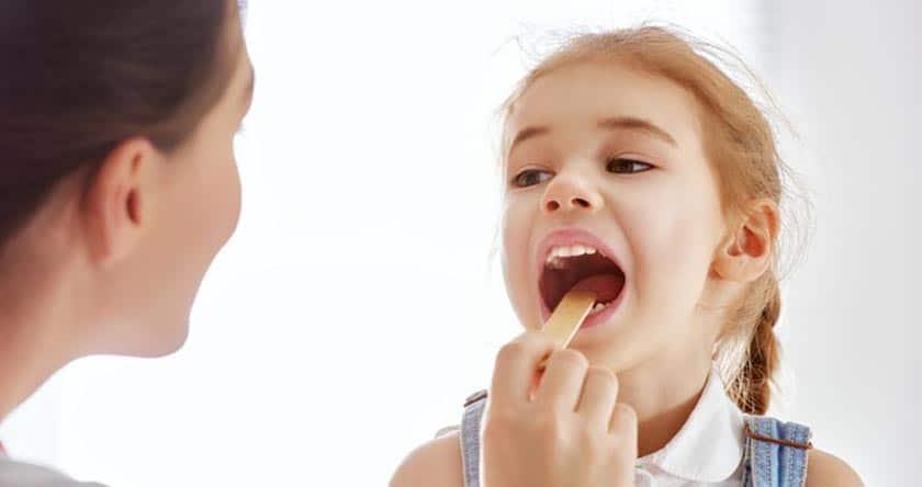 Reconnaître et soigner une angine chez un enfant