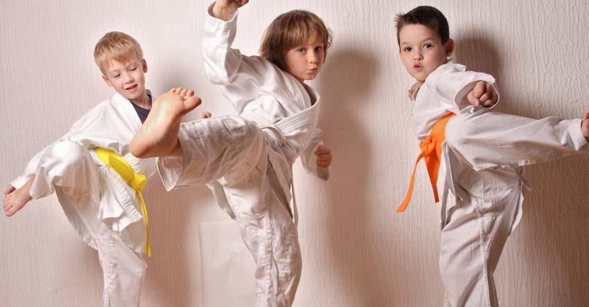 Mon enfant veut faire un sport de combat : bonne idée ou pas ?