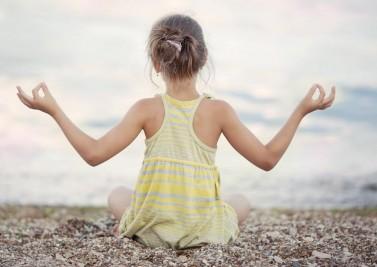 Initier ses enfants à la méditation: un pari gagnant