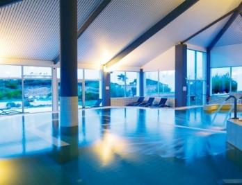 579fff0240056---piscine-interieure