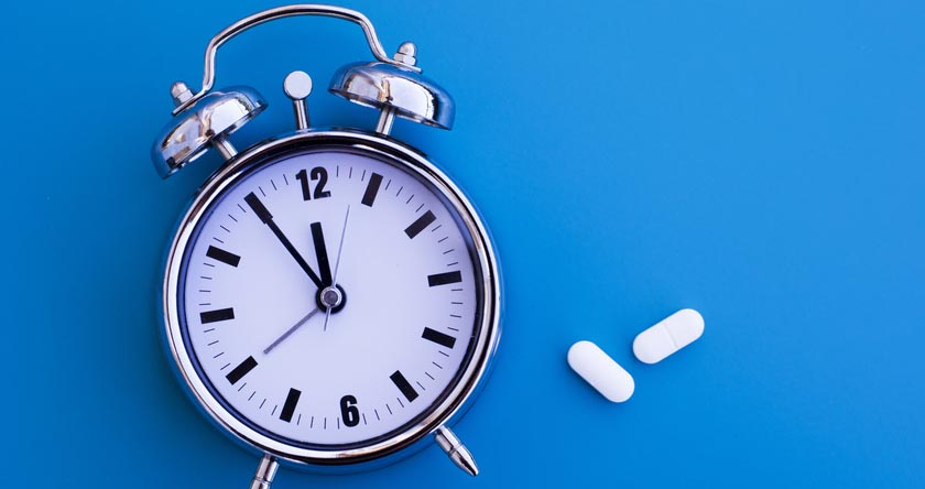 Les médicaments : matin ou soir, avant pendant ou après le repas ?