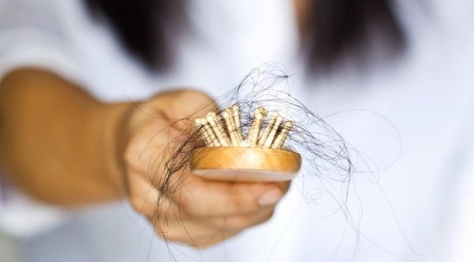 Attention, chute de cheveux