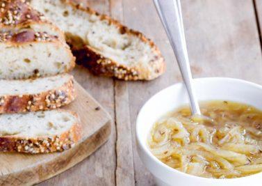 Soupe à l'oignon et au cumin