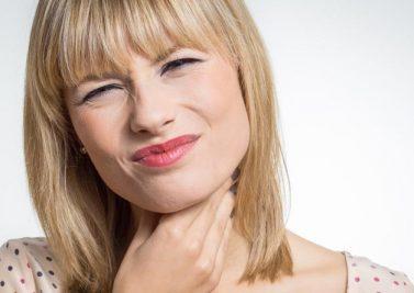 À quoi sont dus les maux de gorge et quand consulter ?
