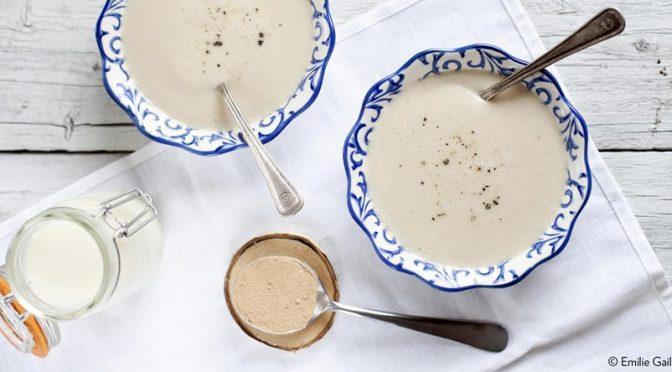 Velouté de chou-fleur, lait d'amande et lucuma