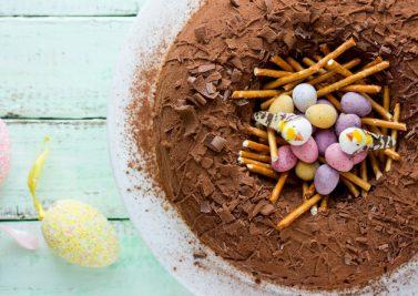 Gâteau nid de Pâques en chocolat
