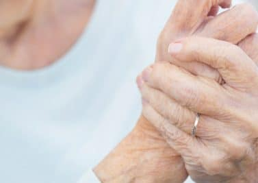 Douleurs articulaires : et si c'était une arthrite ?