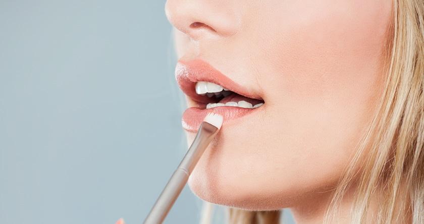 Affichez une bouche pulpeuse