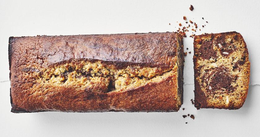 Gâteau marbré, noisette, chocolat et fleur de sel