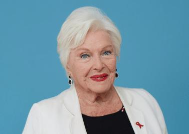 Line Renaud : «Le secret du bien-vieillir? Écouter les jeunes!»