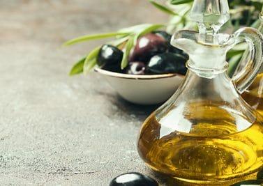 Mets de l'huile (d'olive)