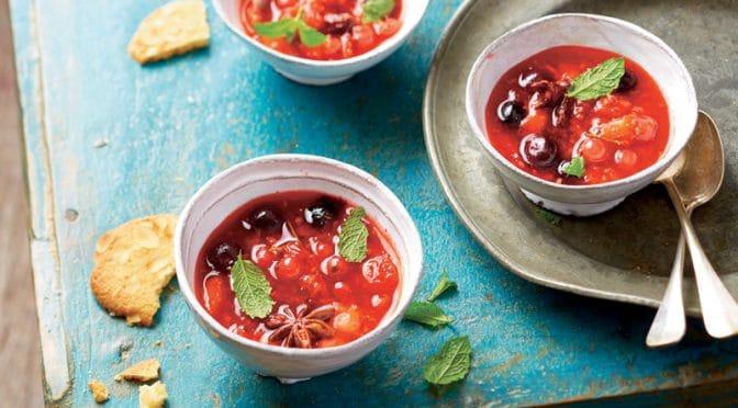Soupe de fruits rouges au gingembre et à la menthe